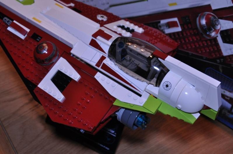 Lego - 10215 - UCS Obi-Wan's Jedi Starfighter Dsc_0252