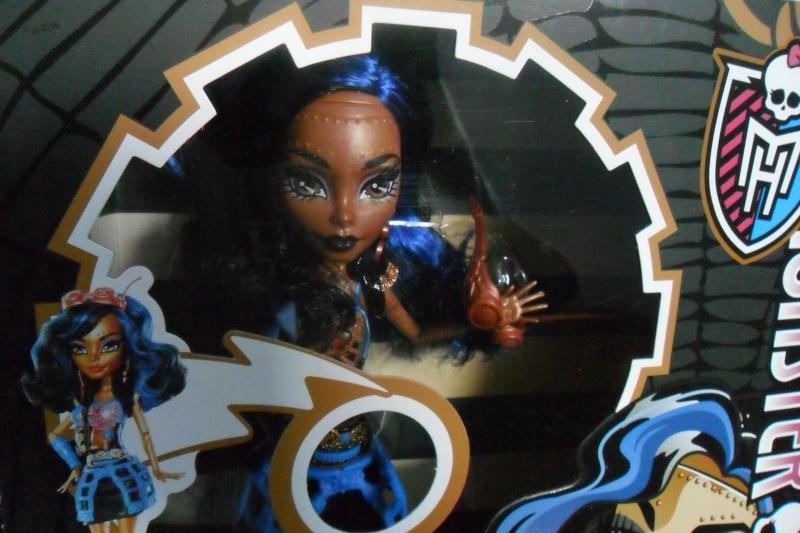 Les Monster High, les poupées que j'aurais aimé avoir petite... Nouveautés - Page 2 Sam_1330