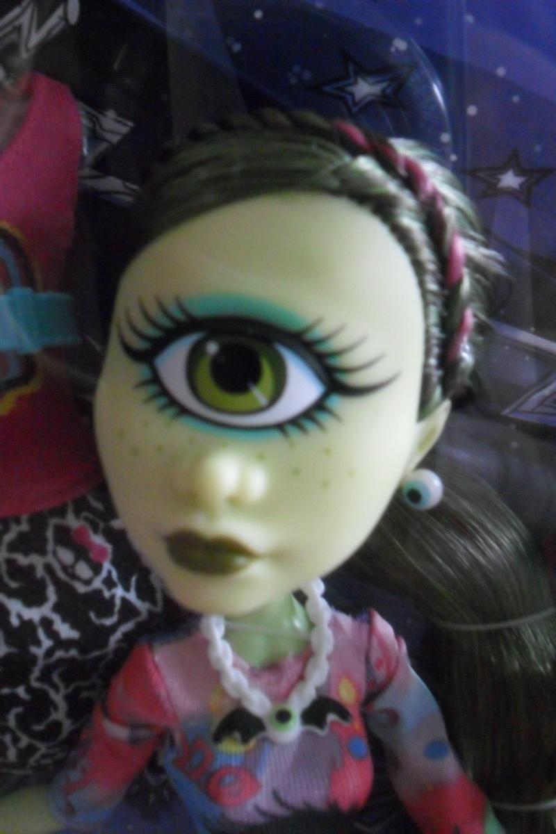 Les Monster High, les poupées que j'aurais aimé avoir petite... Nouveautés - Page 2 Sam_1922