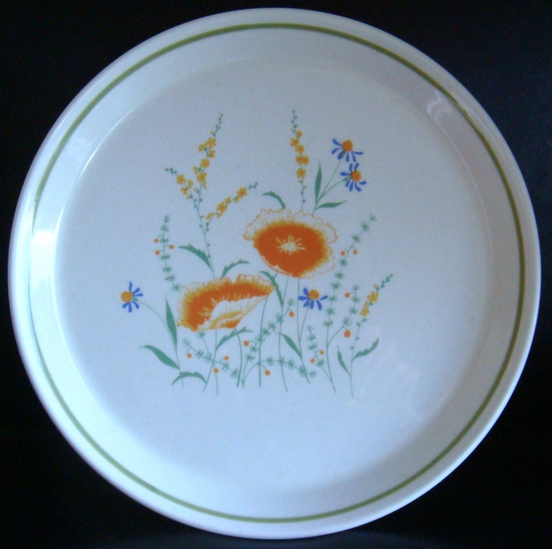 New piece for you !! Delicacy D453 with pale avocado stripe & poppies Dsc04910