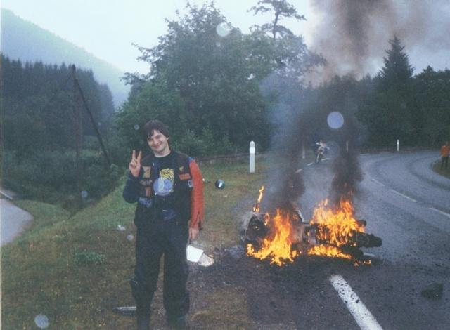 Une RICKMAN se crache et prend feu sur l'autoroute! - Page 5 Guziss10