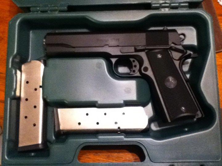 Lets see your guns Para10