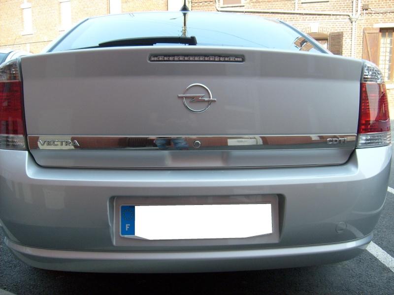 Diffuseur arrière simple sorti S6303316