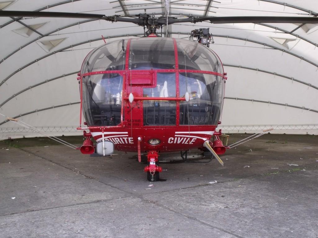 Sud-Aviation SA-316B Alouette III en rouge. Photo_11