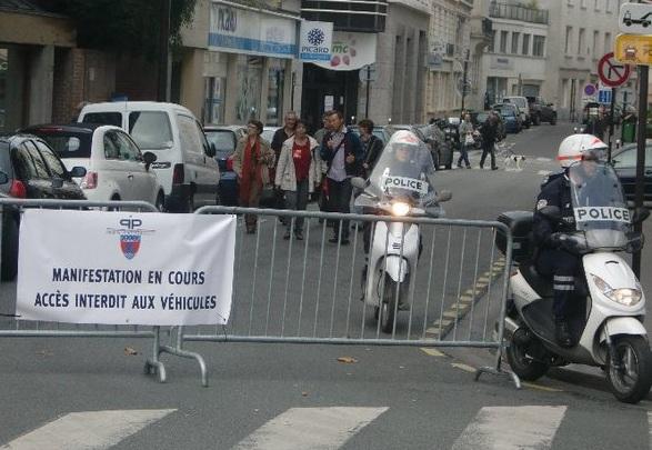 Y a des Mobylettes dans la police...  Pn_pp_10