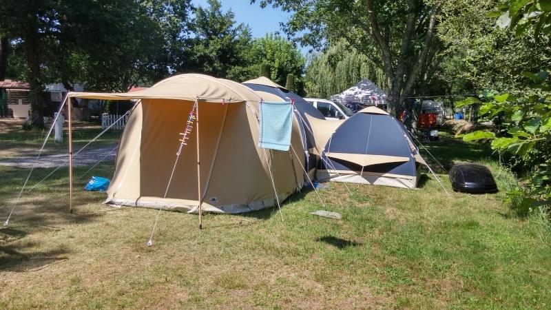 CHAMONIX - tentes vues cette année au camping 06311