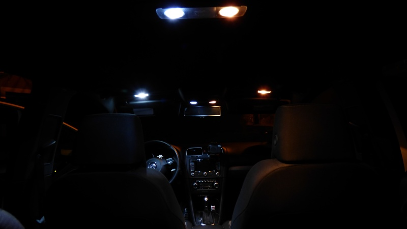 Echange éclairage led interieur P1040511