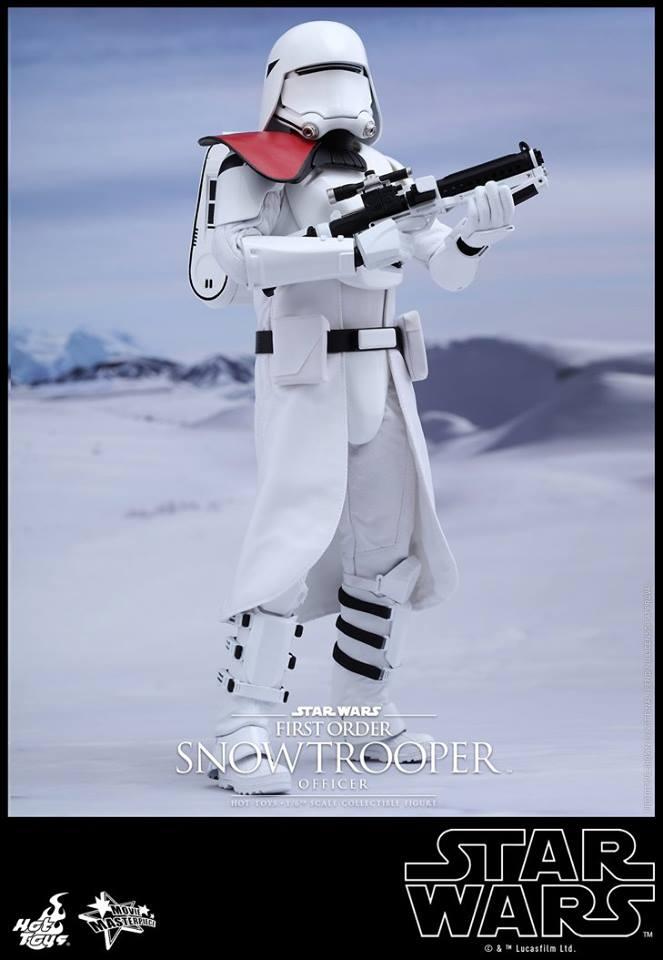 HOT TOYS - Star Wars: TFA - First Order Snowtrooper Officer 11052810