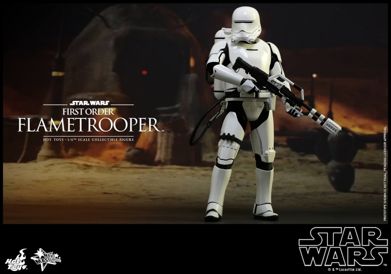 HOT TOYS - Star Wars: TFA -  First Order Flametrooper 11792010
