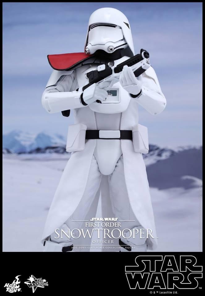 HOT TOYS - Star Wars: TFA - First Order Snowtrooper Officer 11998911