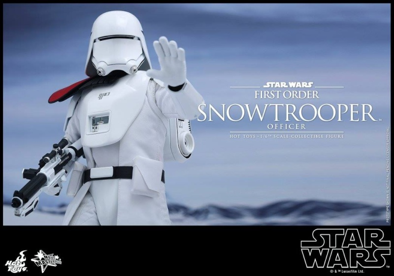 HOT TOYS - Star Wars: TFA - First Order Snowtrooper Officer 12027010