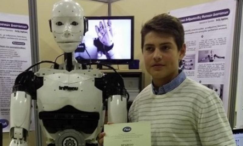 15-vjeçari shqiptar krijon robotin me printer 3D Roboti10