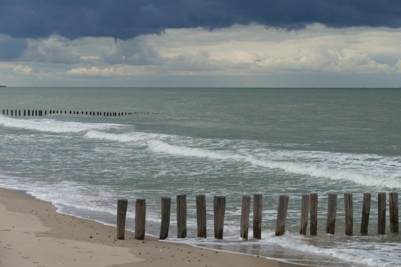 Ciel menaçant sur la côte d'opale P1020910