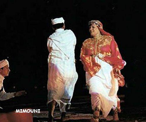 تشابه كبير بين رقصة الكدرة و رقصة هوارة Mimiun10
