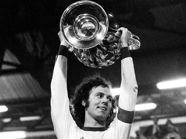 [Staff] Franz Beckenbauer  - Page 7 1a22
