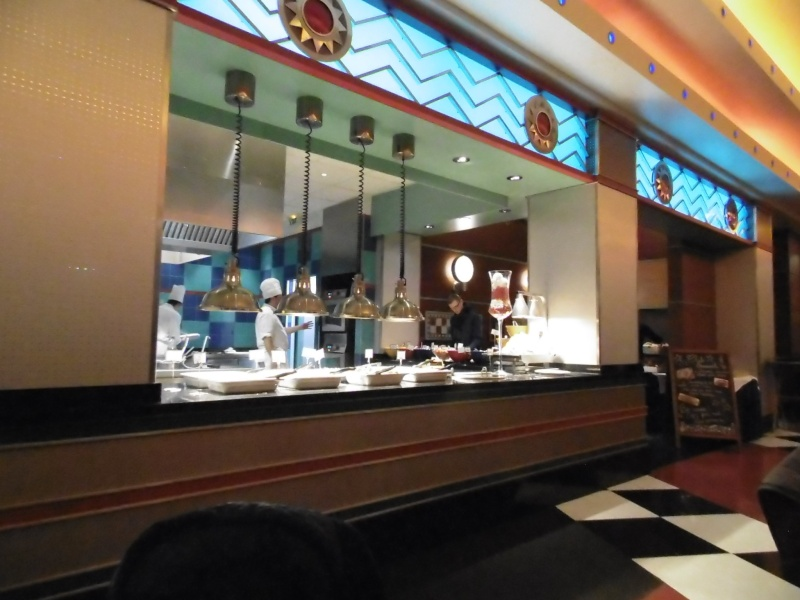 Restaurants à l'Hotel New York - Page 2 Disney11