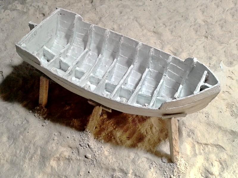 Kleines Fischerboot aus eigener Werft Boot2710