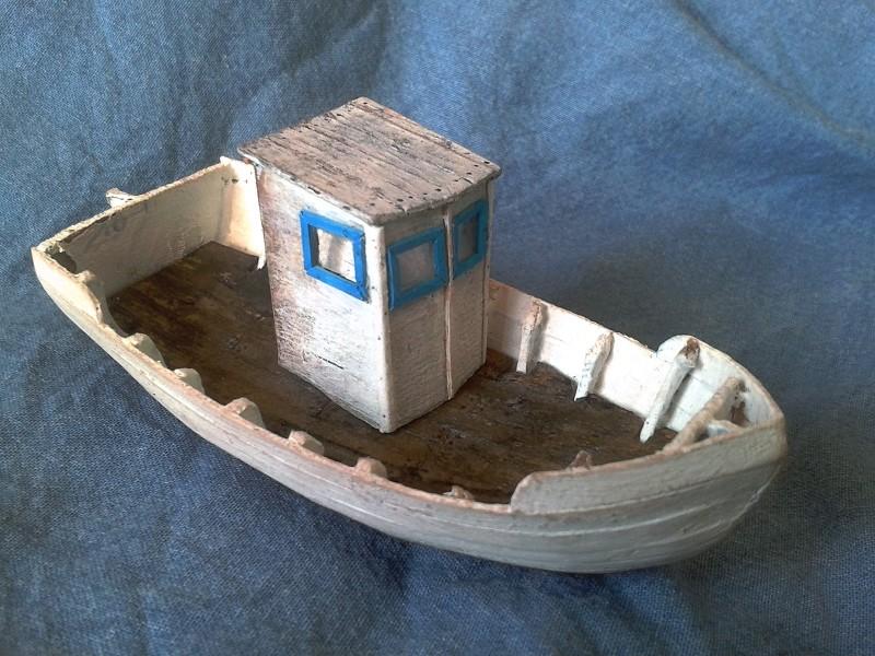 Kleines Fischerboot aus eigener Werft Boot3310