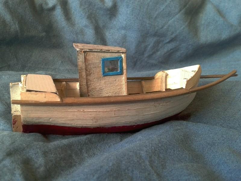 Kleines Fischerboot aus eigener Werft Boot3710
