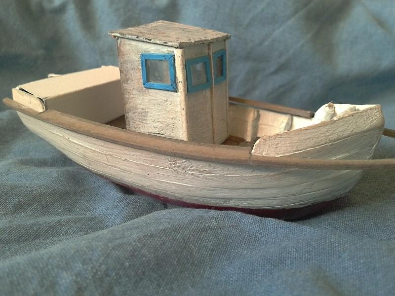 Kleines Fischerboot aus eigener Werft Boot3810