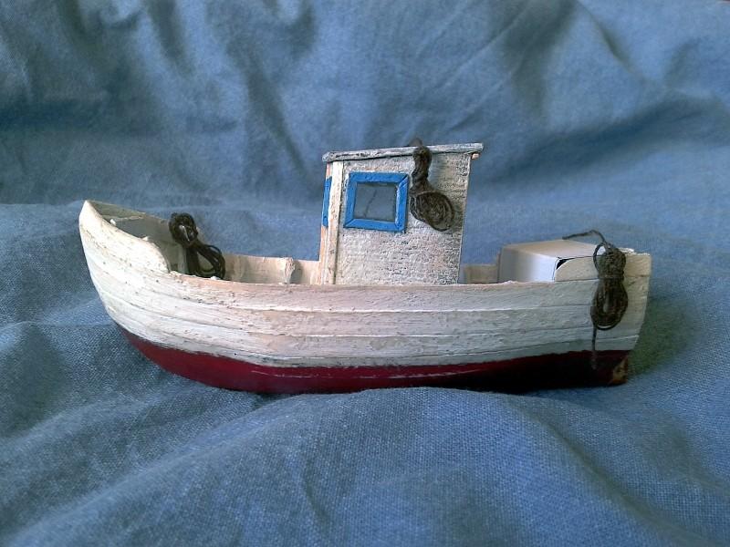 Kleines Fischerboot aus eigener Werft Boot3910