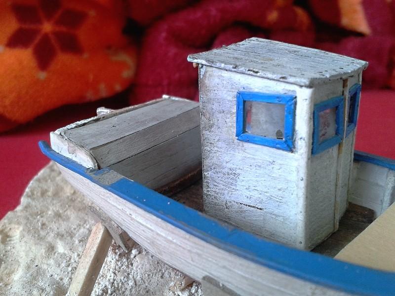 Kleines Fischerboot aus eigener Werft Boot4210