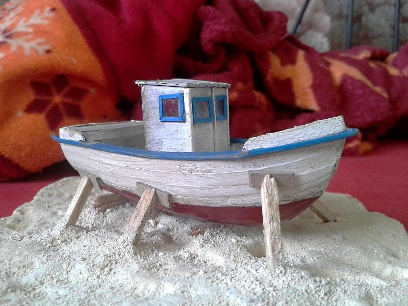 Kleines Fischerboot aus eigener Werft Boot4310