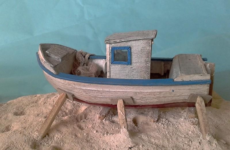 Kleines Fischerboot aus eigener Werft Boot4711