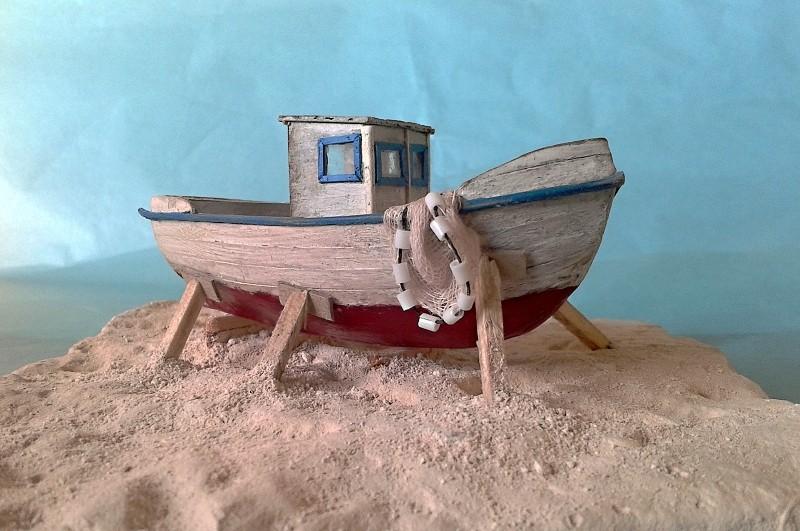Kleines Fischerboot aus eigener Werft Boot4810