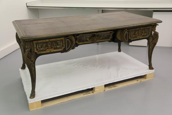 La restauration d'un bureau d'A-C Boulle au Louvre-Lens Bureau10