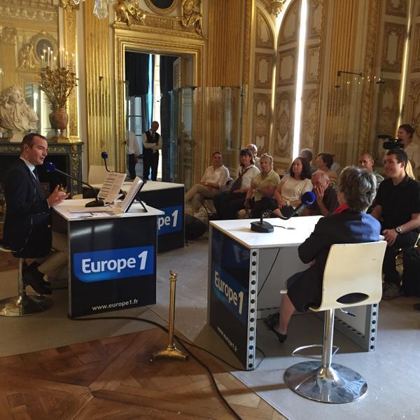 """Au coeur de l'Histoire 1/09/2015 """" la mort de Louis XIV"""" Cn0mld10"""