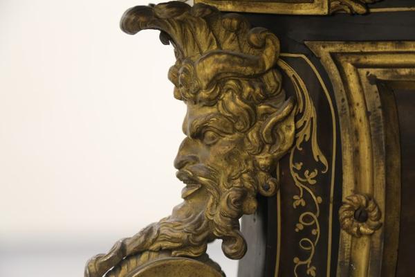 La restauration d'un bureau d'A-C Boulle au Louvre-Lens Detail10