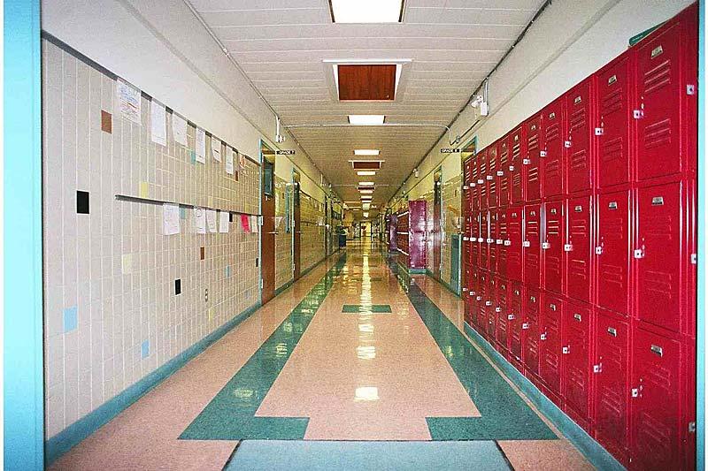 Corredor principal School10