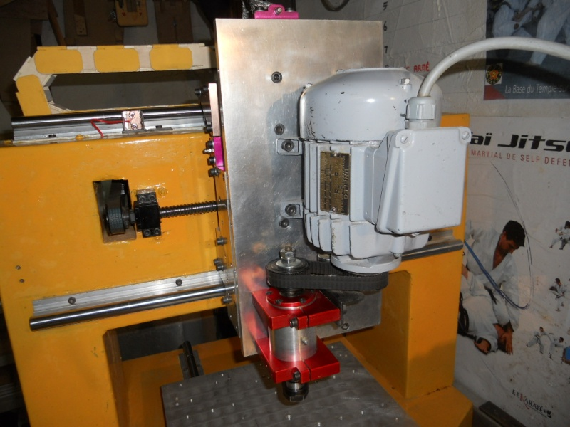 Vends CNC Châssis béton Dscn3824