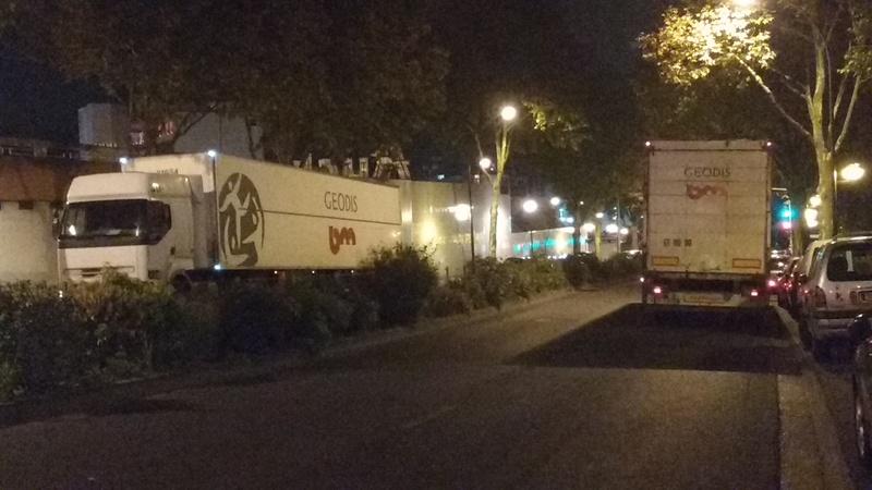 Tapages nocturnes sur la voie publique - Camions de livraison Auchan Img_2017