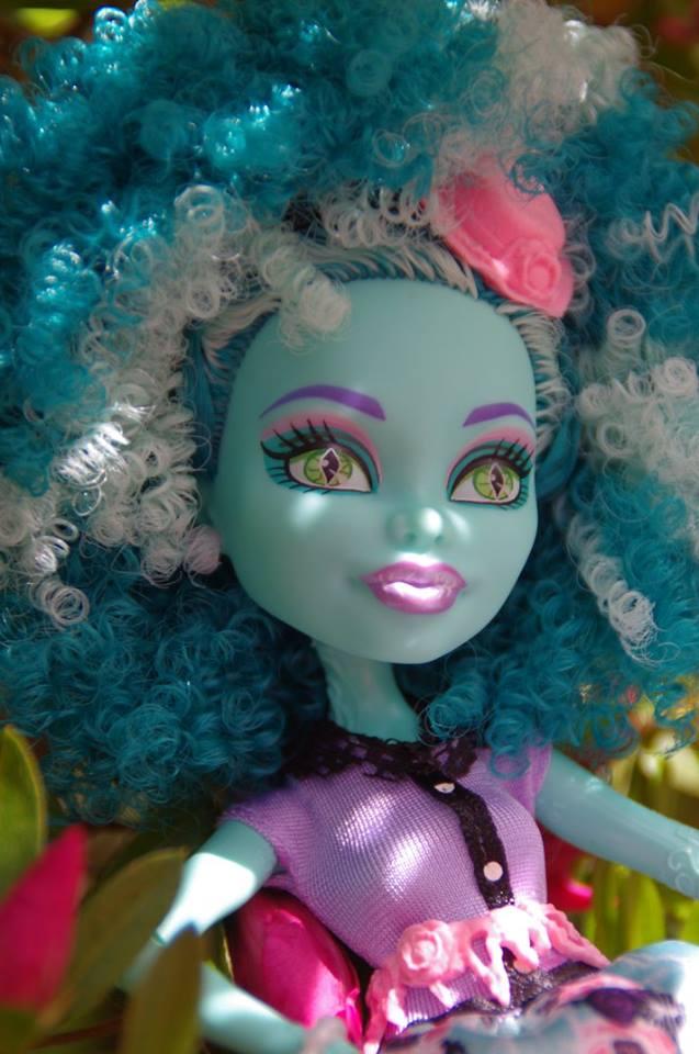 Les Monster High de Cendrine - Page 2 Honey10