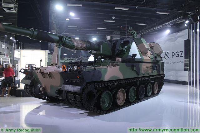 systèmes d'artilleries autotractés et autopropulsés - Page 4 Krab10