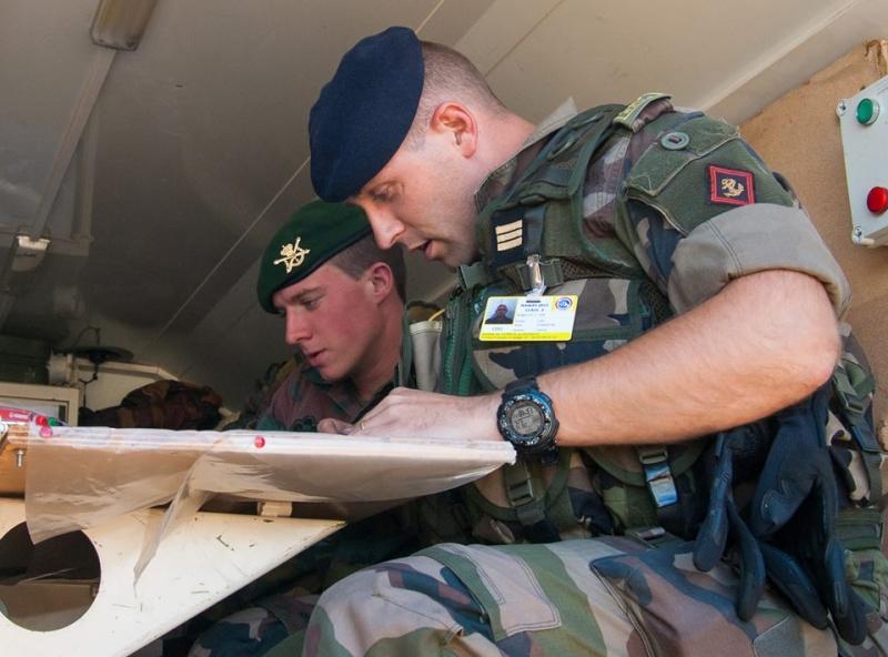 Armée Française / French Armed Forces - Page 20 0125