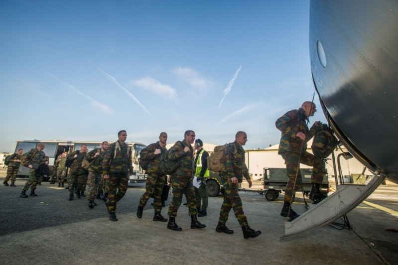 Armée Belge / Defensie van België / Belgian Army  - Page 37 022