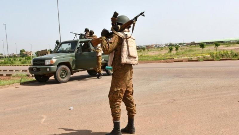 Armée nationale Burkinabé / Military of Burkina Faso - Page 3 029