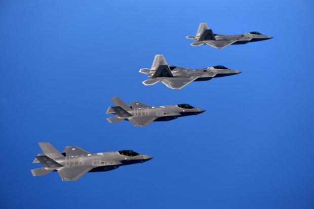 F-22 Raptor - Page 19 079