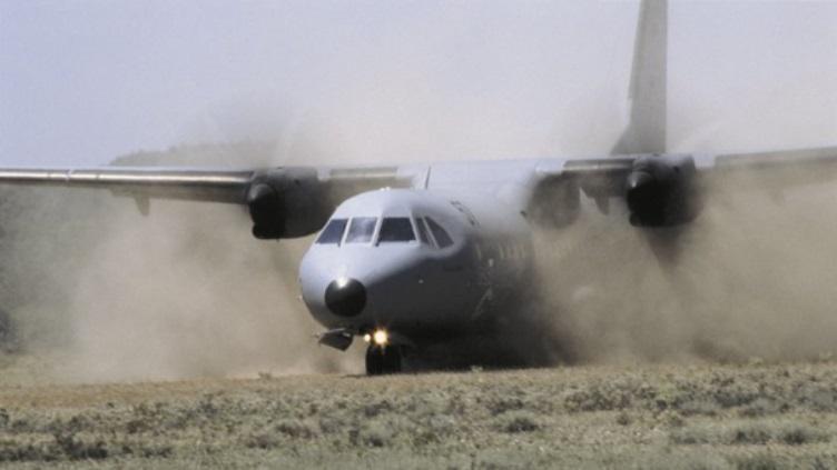 Avions de transport tactique/lourd - Page 5 10207