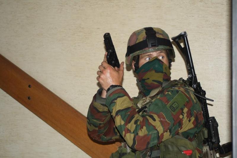 Armée Belge / Defensie van België / Belgian Army  - Page 37 1045
