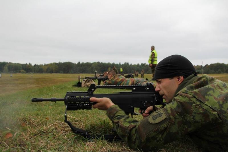 Armée Belge / Defensie van België / Belgian Army  - Page 38 1090