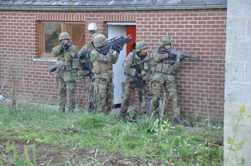 Armée Belge / Defensie van België / Belgian Army  - Page 38 11104