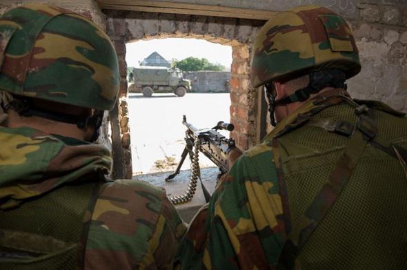 Armée Belge / Defensie van België / Belgian Army  - Page 38 11139