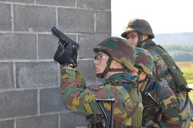 Armée Belge / Defensie van België / Belgian Army  - Page 37 1160