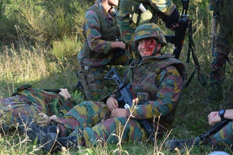 Armée Belge / Defensie van België / Belgian Army  - Page 37 1224