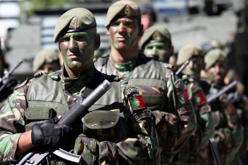 Forças Armadas Portuguesas/Portuguese Armed Forces - Page 8 161