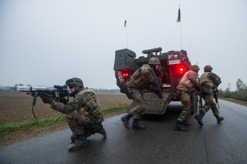 Armée Belge / Defensie van België / Belgian Army  - Page 38 21109